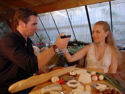 אפרת וגיל כוסות יין